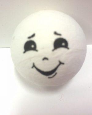 poika paperimassapallo kasvot